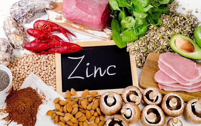 Sais minerais essenciais: o zinco é essencial para inúmeras funções e pode ser encontrado em frutas, raízes e carnes