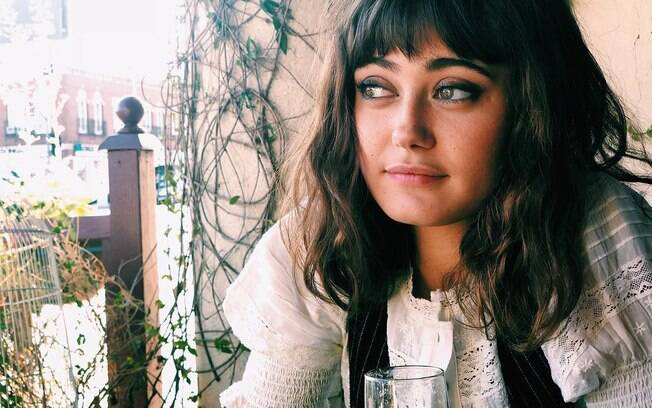 Ella Purnell foi apontada como namorada de Brad Pitt em 2017