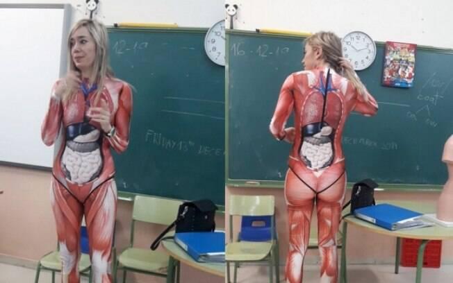 Professora se veste com