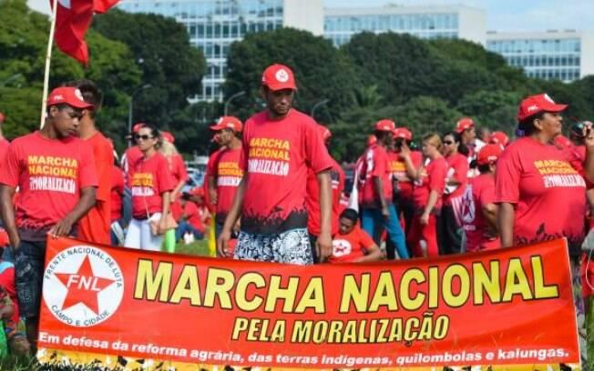 Integrantes da FNL em Brasília para mobilização em defesa da reforma agrária e contra a PEC 215