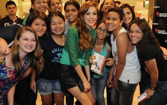 Sophia Abrahão foi fofa com os fãs