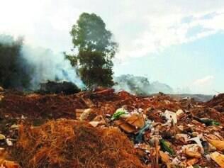 Bota-fora realizava queimas irregulares em objetos descartados