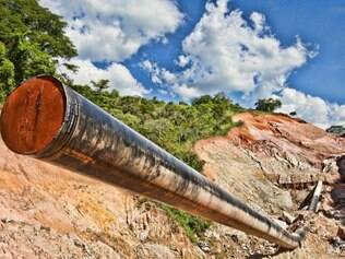 Área rural de Nova Era teve nascentes de água destruídas, além dos inconvenientes causados pela obra que passa em sua propriedade. Foto: Mariela Guimarães