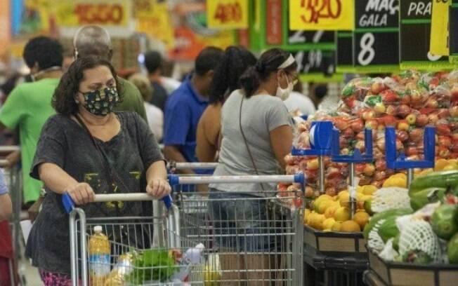 Governo tenta conter alta de preços no setor de alimentação