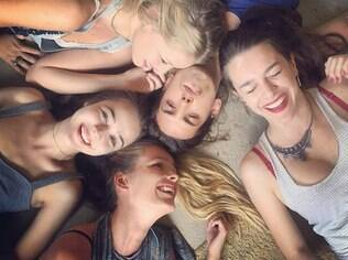 Bella e o elenco de 'Verdades Secretas' na fase de preparação para a novela