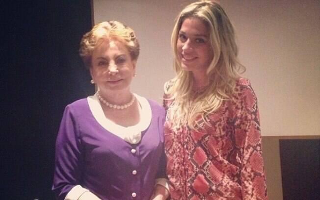 Luma Costa tietou Beatriz Segall após uma palestra no Rio de Janeiro. As duas são homônimas na televisão com personagens chamadas Odete Roitman