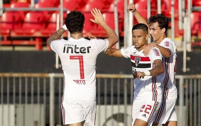 Everton, do São Paulo, marcou o primeiro gol do Brasileirão 2019
