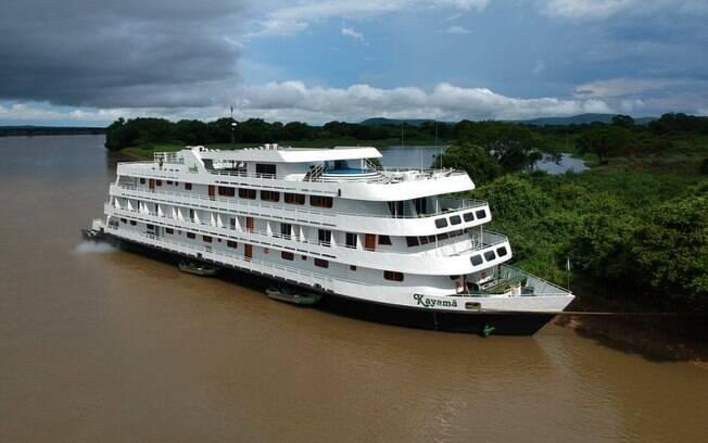 O navio Kayamã é o modelo oficial de cruzeiro pelo Pantanal