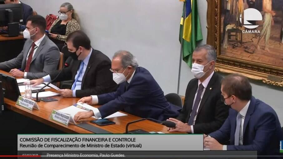 Paulo Guedes em audiência na Câmara dos Deputados