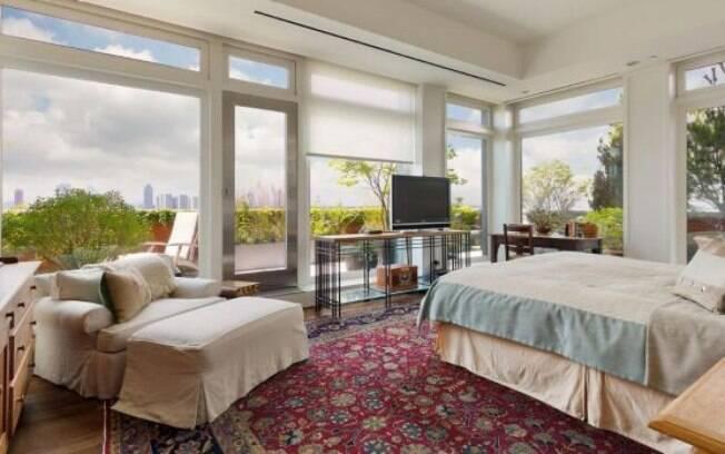 Embora a mansão da atriz encha a vista, ela não é a única propriedade que está no nome de Meryl Streep