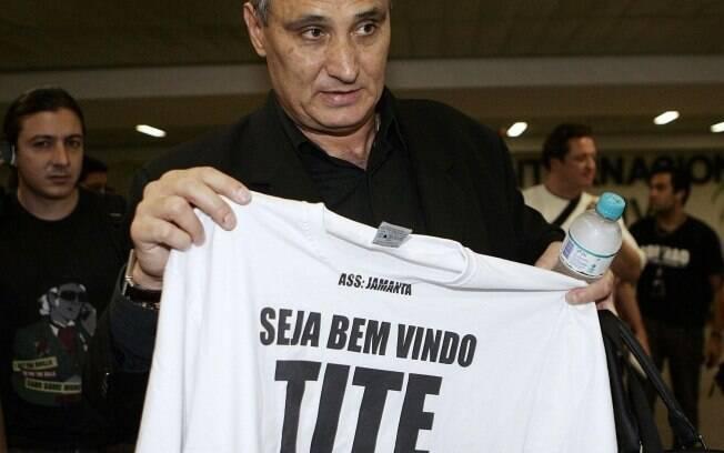 Em outubro de 2010 ele voltou ao clube para  substituir Adilson Batista nas oito rodadas finais  do Brasileirão
