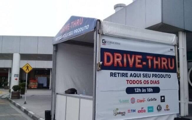 Sistema de vendas por drive-thru é a aposta dos shoppings durante a pandemia