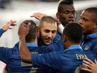 Benzema foi muito festeja com marcar o gol