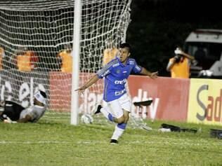 Palmeiras goleia e avança no torneio