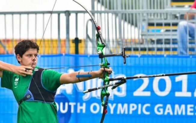 Marcus Vinicius D'Almeida é esperança brasileira no tiro com arco