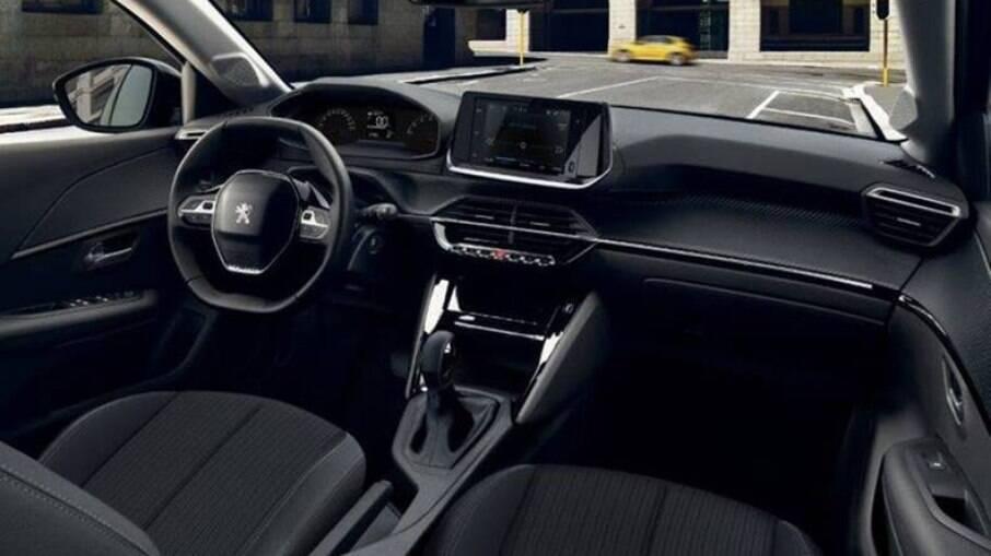 Peugeot 208 Active Pack vem com bancos de tecido, mas o acabamento interno é plausível com desenho arrojado
