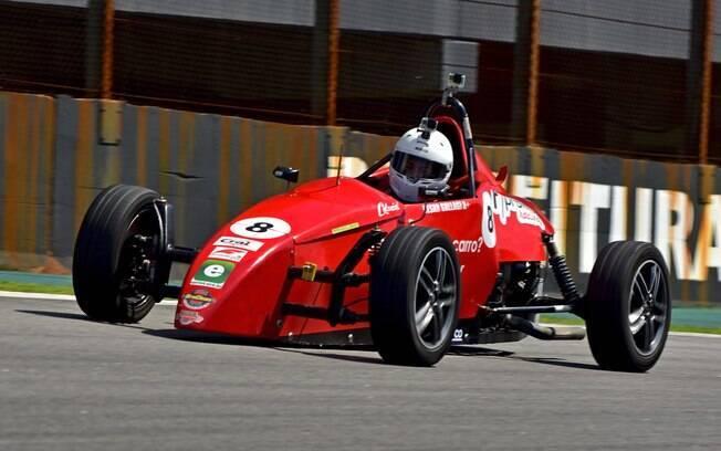 Experiência com Fórmula vee te faz sentir um piloto de carreira de verdade