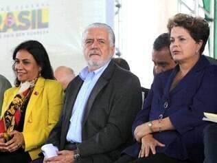 Politica - Feira de Santana - BA - 29.04.2014 Presidenta Dilma Rousseff durante entrega de maquinas a municipios da Bahia.   FOTO: Roberto Stuckert Filho / PR