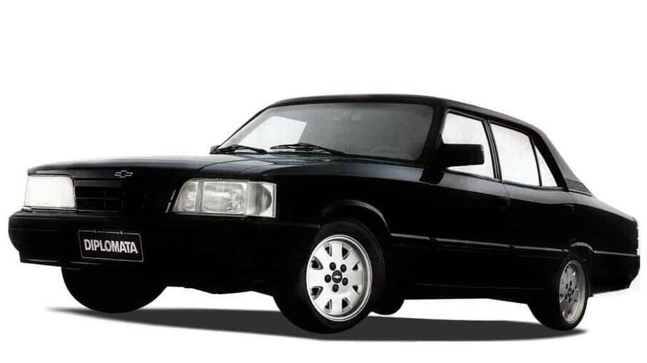 Última série do Chevrolet Opala vinha com sistema de direção eletro-hidráulico pela primeira vez em um modelo feito no Brasil