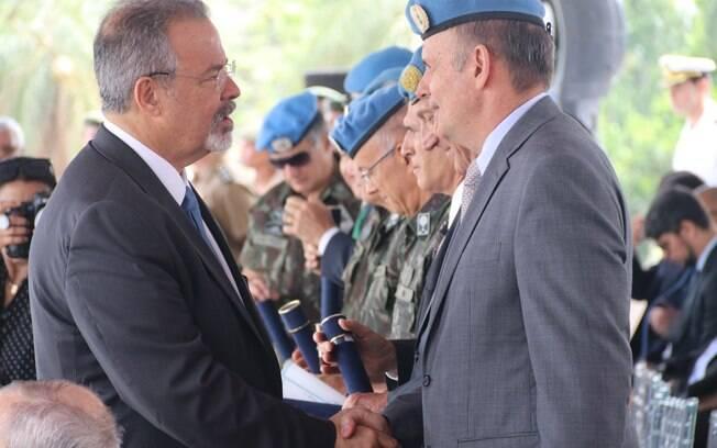 Jungmann descartou qualquer possibilidade de intervenção militar no Brasil