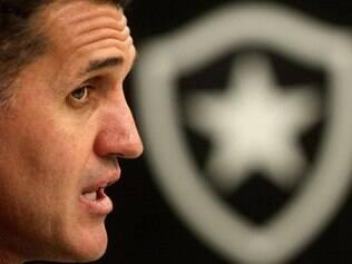 Treinador pode ter problemas no STJD por causa dos xingamentos durante a partida contra o Cruzeiro