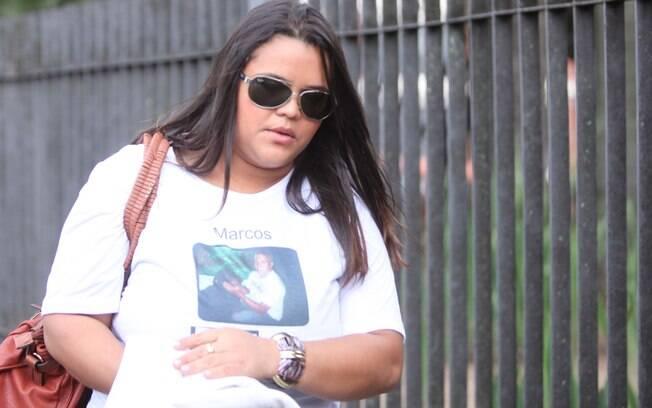 Familiares do ex-policial Bola chegam ao fórum de Contagem para acompanhar o julgamento