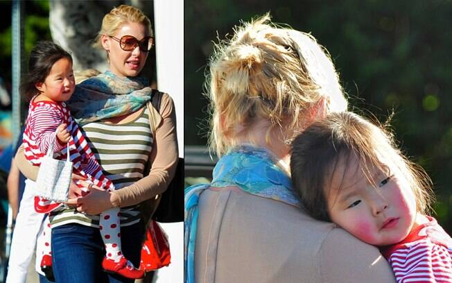 Katherine Heigl com a filha adotiva, a pequena Nancy Leigh