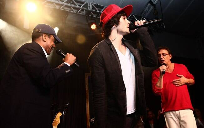 Jorge Ben Jor, Fiuk e Fábio Jr. cantam juntos