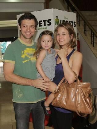 Luiza Valdetaro com o ex-marido, Alberto, e a filha Maria Luiza, em novembro de 2011