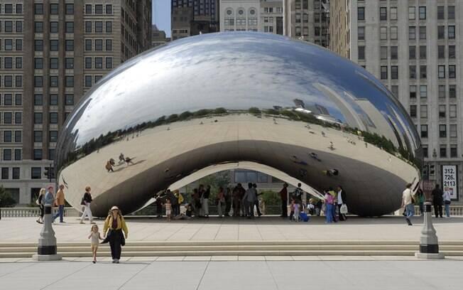 O Cloud Gate, no Millennium Park, é uma ótima parada para quem quer arranjar o que fazer ou apreciar em Chicago