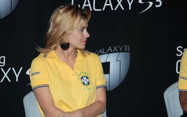 Carolina Dieckmann durante a exibição do vídeo
