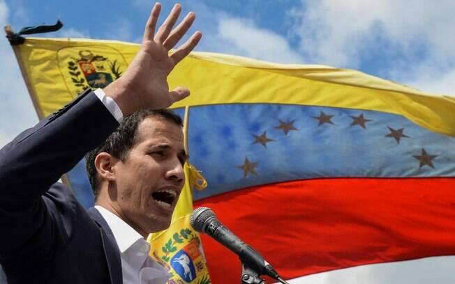 Guaidó quer que Parlamento declare estado de emergência na Venezuela