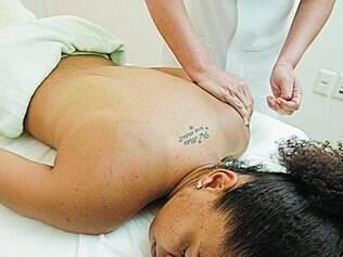 Jogadoras puderam fazer massagem de relaxamento no dia de spa