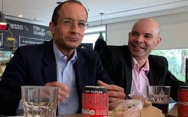 Marcelo Odebrecht ao lado do gerente Marcos Sabiá, na sede da empreiteira em São Paulo