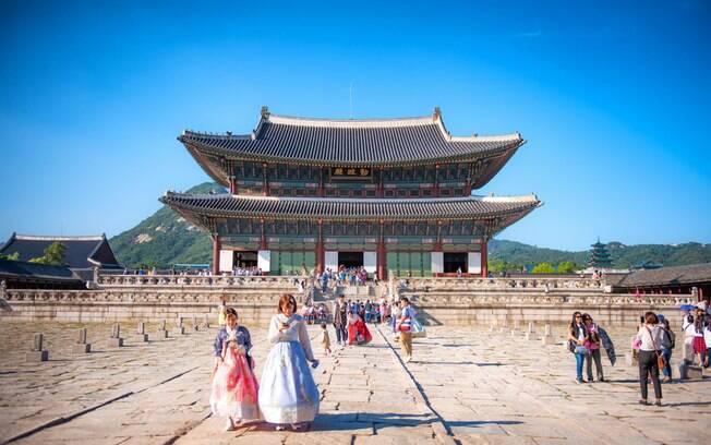 Uma visita ao palácio Gyeongbokgung não pode faltar durante um intercâmbio na Coreia do Sul