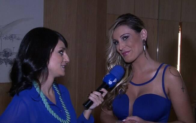 A repórter Fernanda Siccherolli com Andressa Urach
