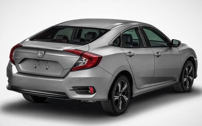 Honda Civic 2018 fica mais equipado