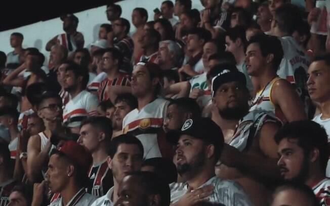 Cerca de 1.370 membros da torcida do Botafogo-SP viajaram 200km para apoiar o time no Campeonato Paulista