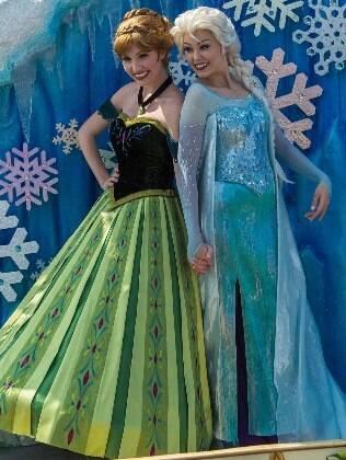 Anna e Elza, as princesas na animação 'Frozen', são as novas integrantes da parada