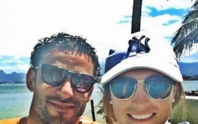 Esposa de Fred se empolga com Libertadores e canta música