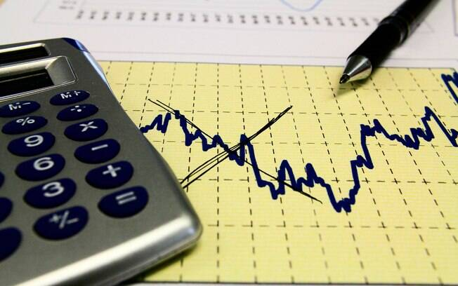 Mercado projeta 9,75% ao ano para Selic em 2017