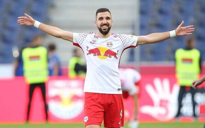 Moanes Dabbur chamou a atenção do Liverpool após boas atuações e gols defendendo o Red Bull Salzburg, da Áustria