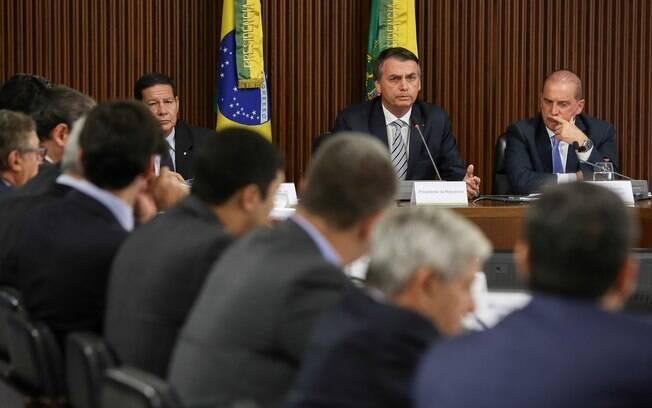 Jair Bolsonaro pediu enxugamento da máquina pública em reunião com ministros