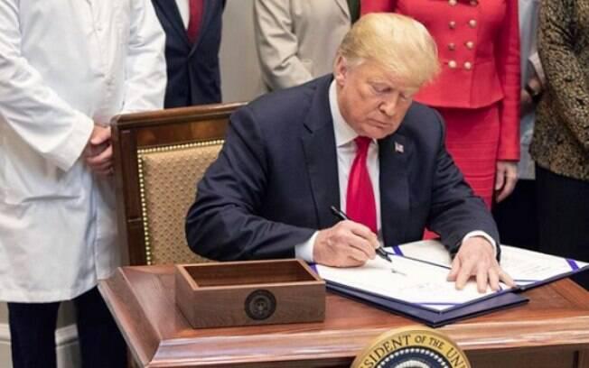 Alta do dólar tem a ver com cenário político externo; um exemplo é o encontro do presidente dos EUA, Donald Trump, com o presidente chinês  Xi Jinping