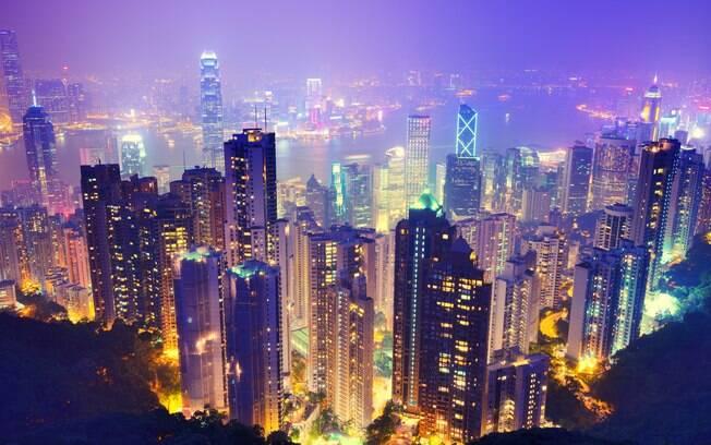 Hong Kong, com uma população de 7,3 milhões de habitantes espalhados por 1.104 quilômetros, é menor que São Paulo ou Los Angeles, nos EUA