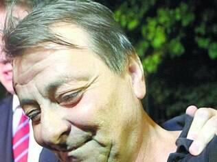 Cesare Battisti deixou a prisão na sede da Polícia Federal sorrindo