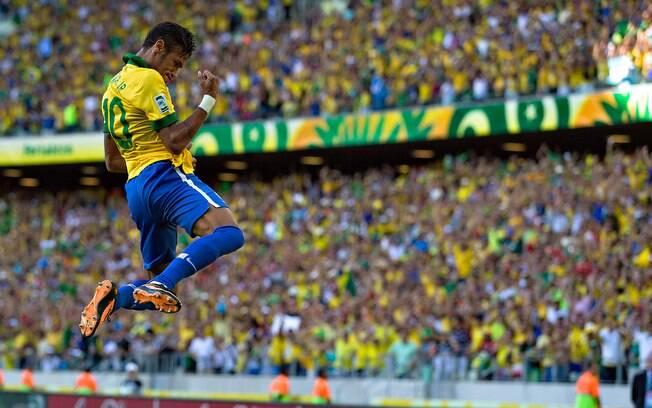 Neymar comemora o primeiro gol diante do  México