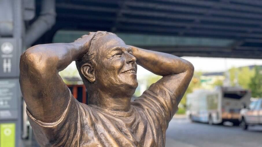Estátua do Elon Musk em Nova York