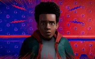"""""""Homem-Aranha no Aranhaverso"""" investe na linguagem da HQ e moderniza personagem"""
