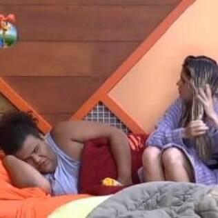 Bárbara nega envolvimento com Marcos Oliver